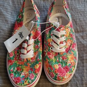Girls canvas sneakers floral